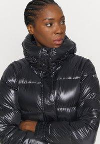 Columbia - NORTHERN GORGE JACKET - Down jacket - black - 4