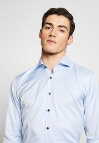 Eterna - SUPER SLIM FIT HAI-KRAGEN - Formální košile - blue - 3