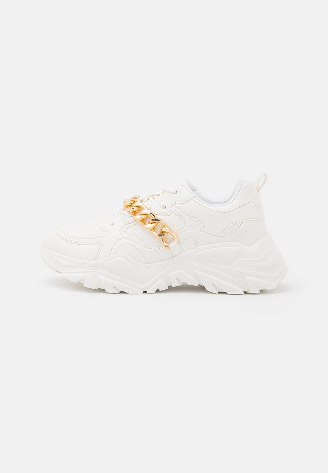 TERREX - Sneakers laag - white