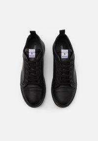 Trussardi - PREMIUM - Sneakers basse - black - 3