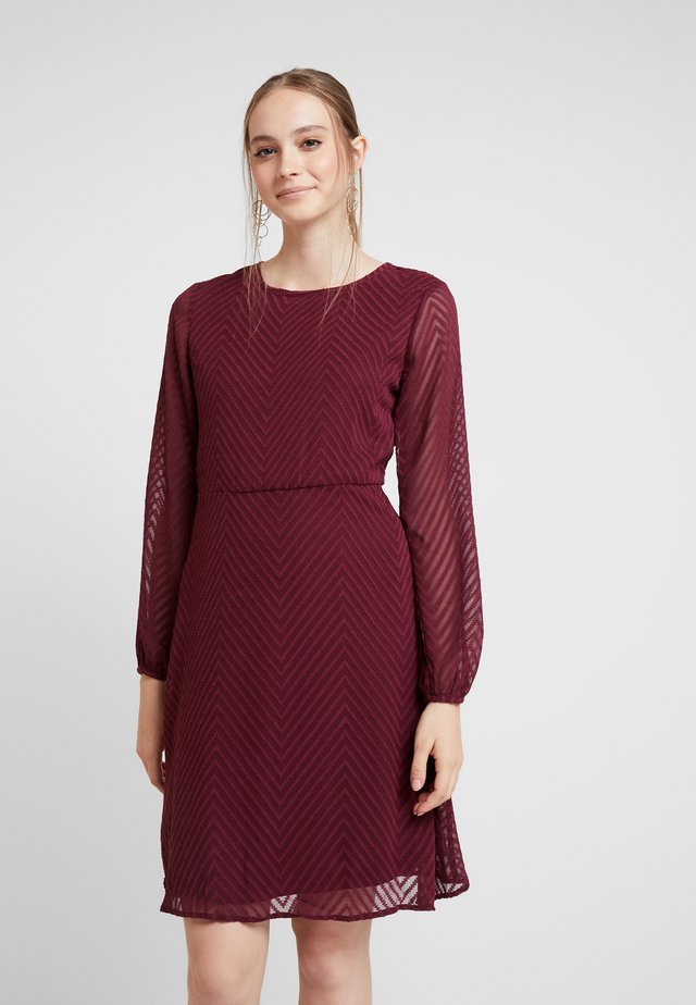 ONLLINA DRESS - Vestido informal - tawny port
