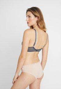 Curvy Kate - LIFESTYLE PLUNGE BRA - Underwired bra - slate/blush - 2