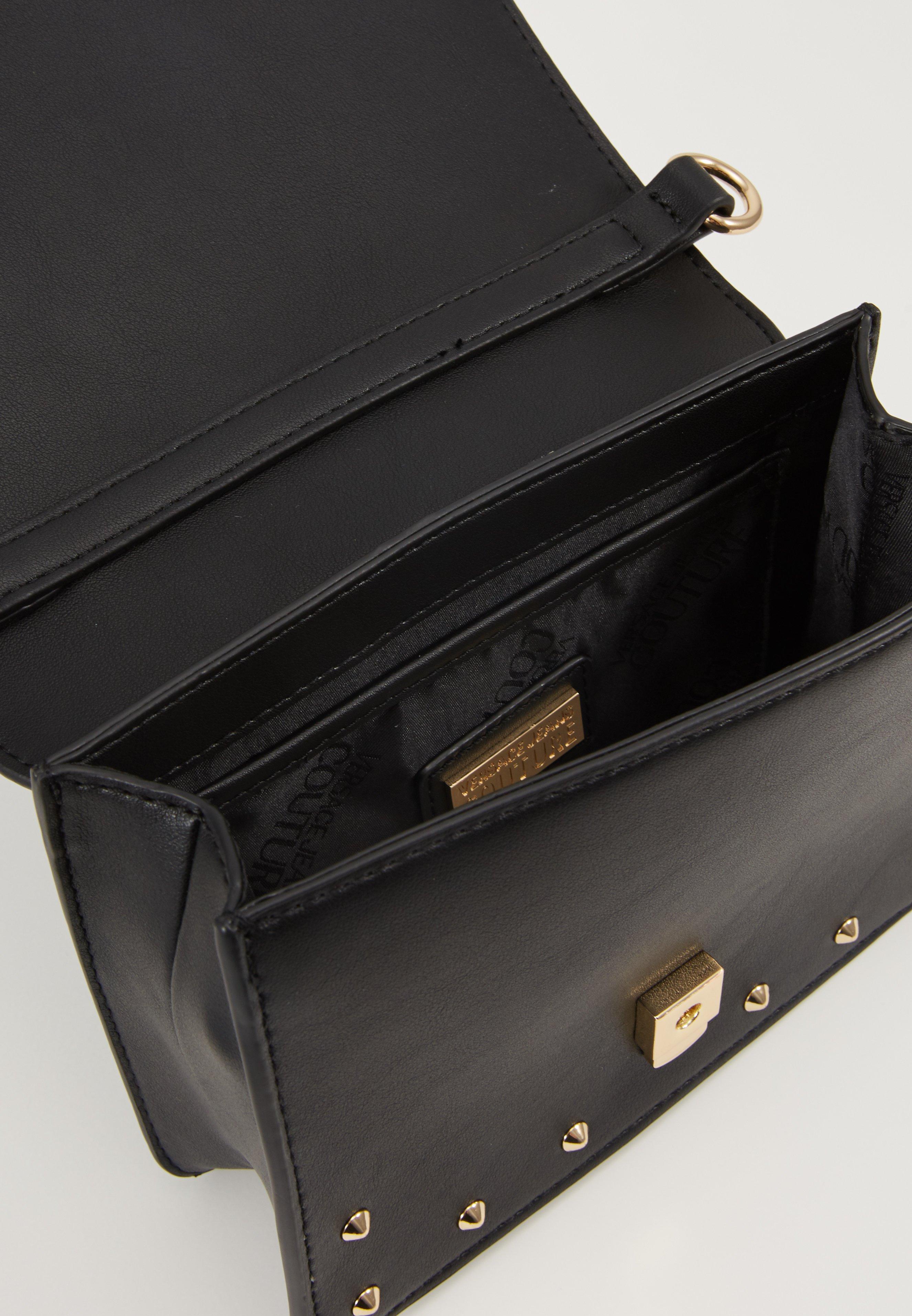 Versace Jeans Couture STUDDED FLAP OVER - Skulderveske - black/svart CGRj7mhiVmdWJaK