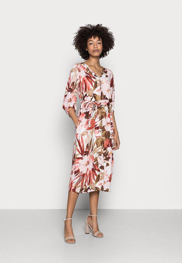 DRESS - Korte jurk - light pink