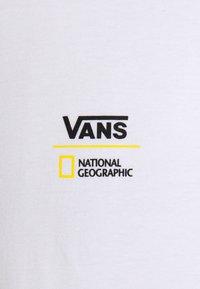 Vans - VANS X NATIONAL GEOGRAPHIC GLOBE  - Långärmad tröja - white - 2