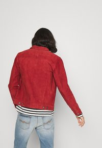 Nudie Jeans - ROBBY - Leichte Jacke - poppy red - 2