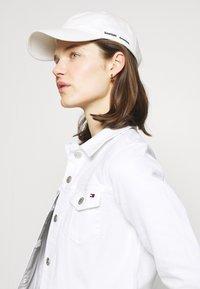 Tommy Hilfiger - JACKET - Denim jacket - white - 3