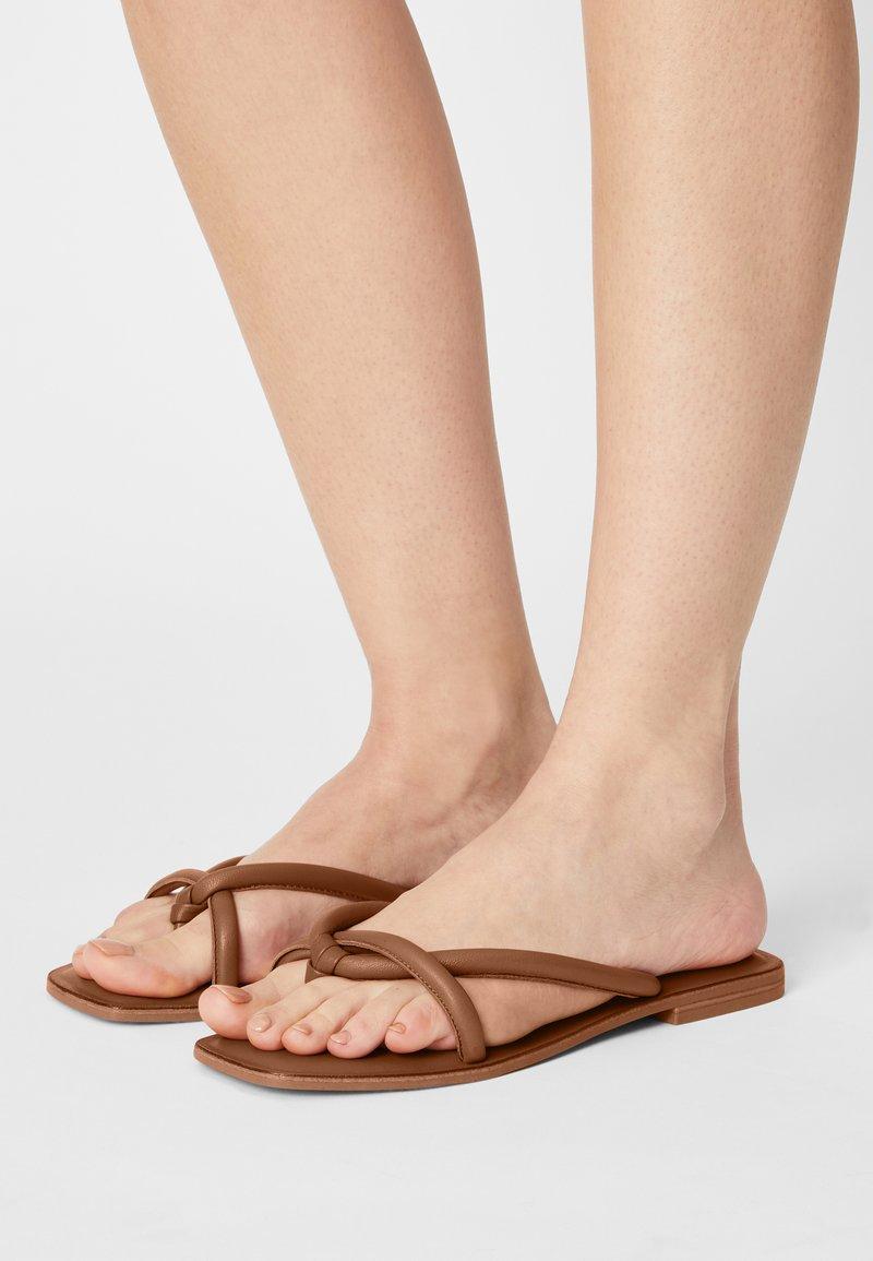 Vero Moda - VMFLINO - T-bar sandals - cognac