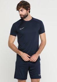 Nike Performance - DRY ACADEMY - Print T-shirt - obsidian/white - 0