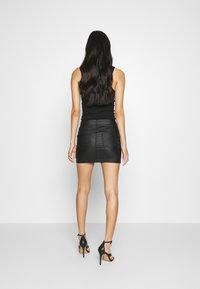 ONLY - ONLROSIE SKIRT - Leather skirt - black - 2