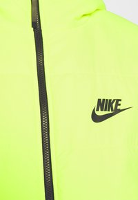 Nike Sportswear - CORE  - Light jacket - volt/black - 7