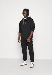 adidas Originals - SILICON HOODY UNISEX - Hættetrøjer - black - 1