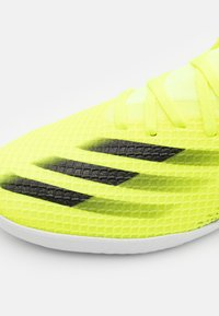 adidas Performance - X GHOSTED.3 IN - Indoor football boots - solar yellow/core black/royal blue - 5
