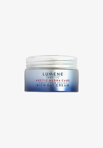 ARCTIC HYDRA CARE [ARKTIS] MOISTURE & RELIEF RICH DAY CREAM  - Face cream - -