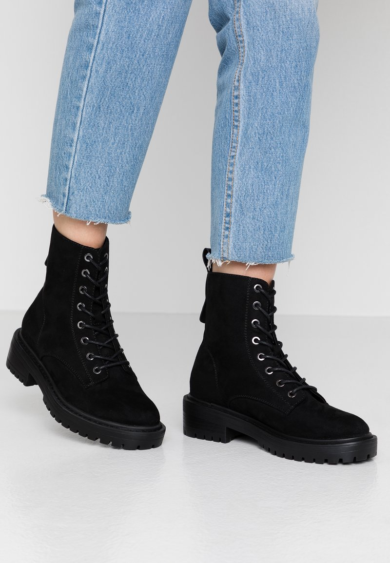 ONLY SHOES - BOLD LACEUP BOOTIE  - Botki na platformie - black