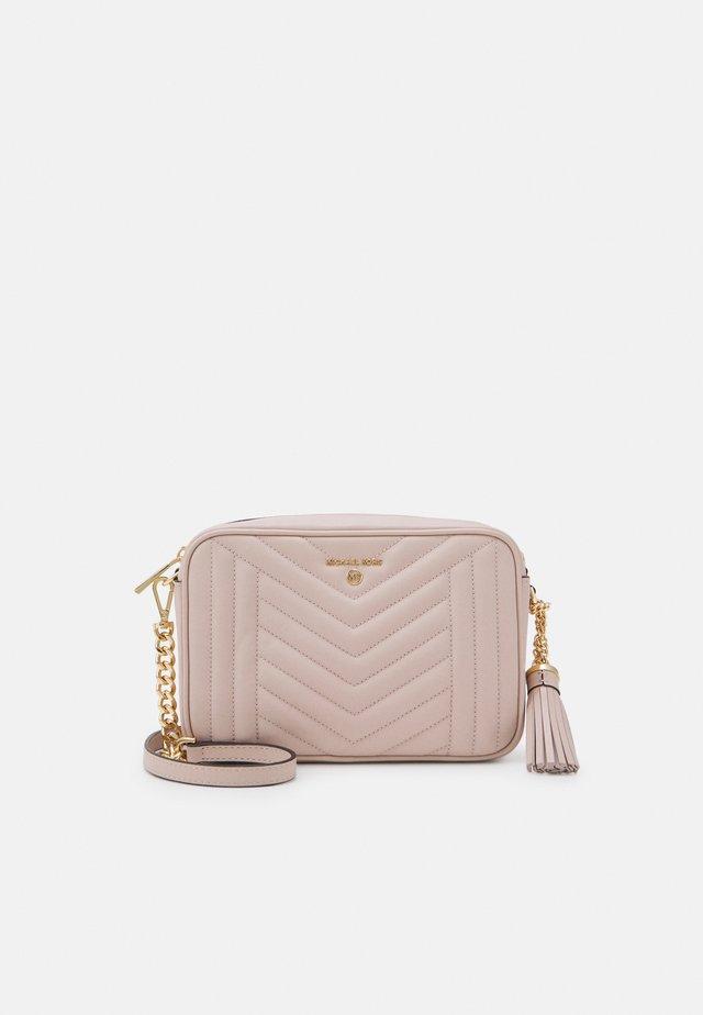 JET SET CHARMMD BAG - Across body bag - soft pink