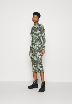 CAMO FLORA BODY CON - Maxi šaty - green