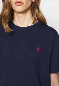 Polo Ralph Lauren - CLASSIC FIT JERSEY T-SHIRT - Basic T-shirt - newport navy - 8