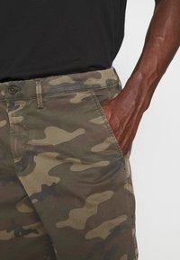 GAP - IN PRINTED - Shorts - khaki - 3