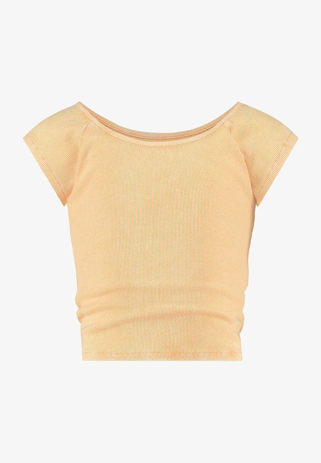 Basic T-shirt - pastel sinas