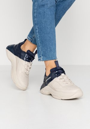 MADELIA - Sneakers laag - stone/navy