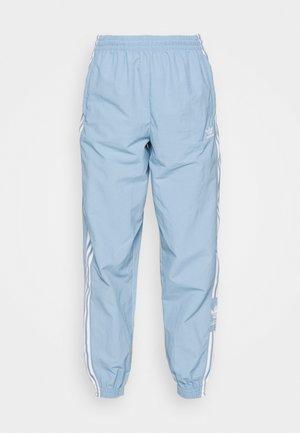 TRACK PANTS - Pantaloni sportivi - ambient sky
