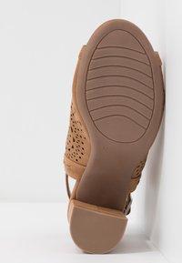XTI - High heeled sandals - camel - 6