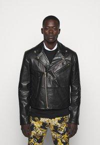 Versace Jeans Couture - Veste en cuir - nero - 0