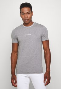 Calvin Klein Jeans - INSTITUTIONAL COLLAR LOGO - Triko spotiskem - mottled grey - 0