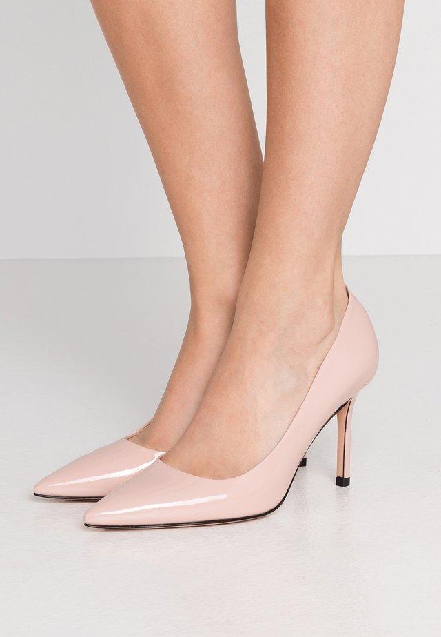 INES - Klassiska pumps - open pink