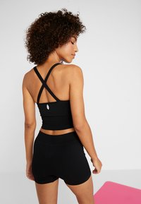 Free People - GOOD KARMA CROP - Top - onyx - 2