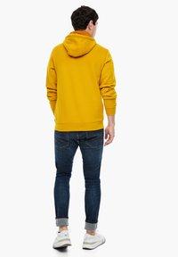 s.Oliver - LANGARM - Zip-up sweatshirt - yellow - 2