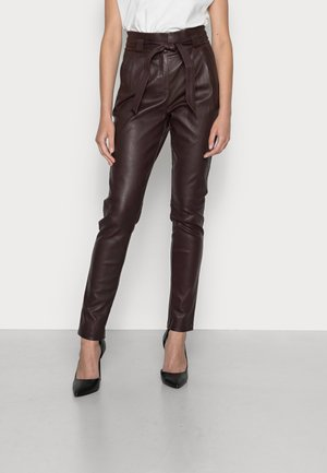 PAULA STRETCH LEATHER - Leather trousers - red wine