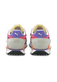 Puma - FUTURE RIDER TWOFOLD UNISEX - Trainers - puma white luminous purple - 3