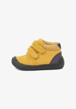 TRISTAN REFLEX - Baby shoes - orange