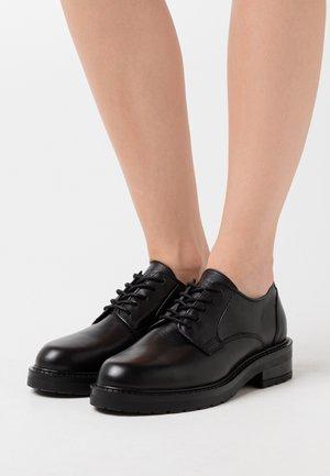 CLARA - Šněrovací boty - black