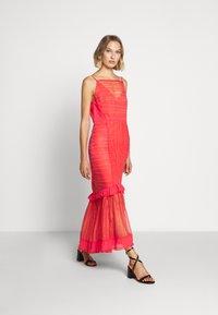 Three Floor - LYNDI DRESS - Maxi dress - spiced coral - 1