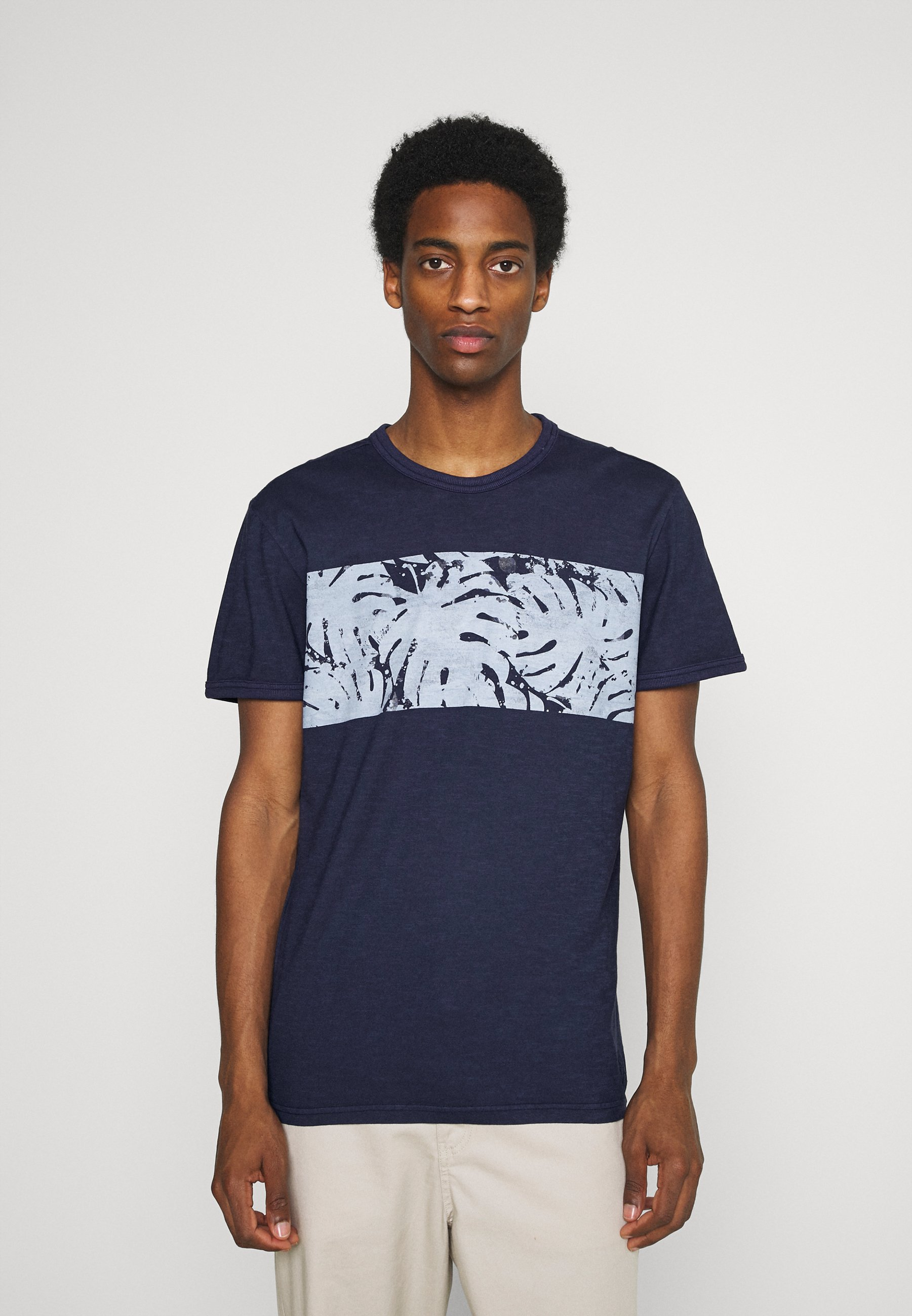 Men OVERDYED PANEL  - Print T-shirt