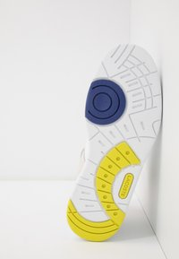 Lacoste - TRAMLINE MID - High-top trainers - white/yellow - 5