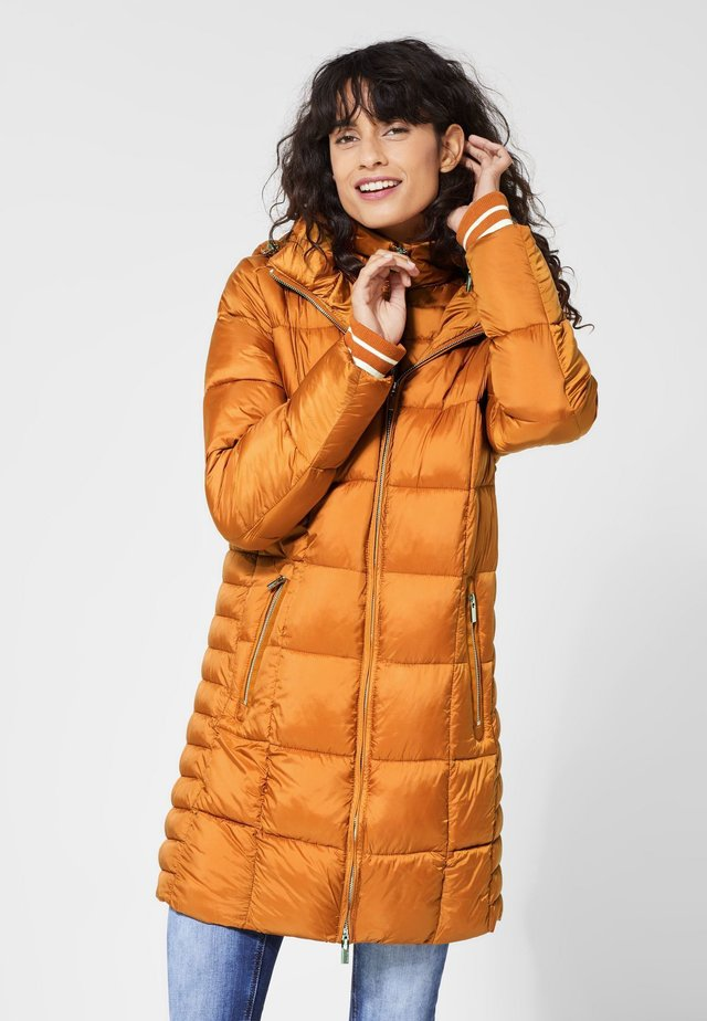 MIT STEPPUNGEN - Winter coat - brown