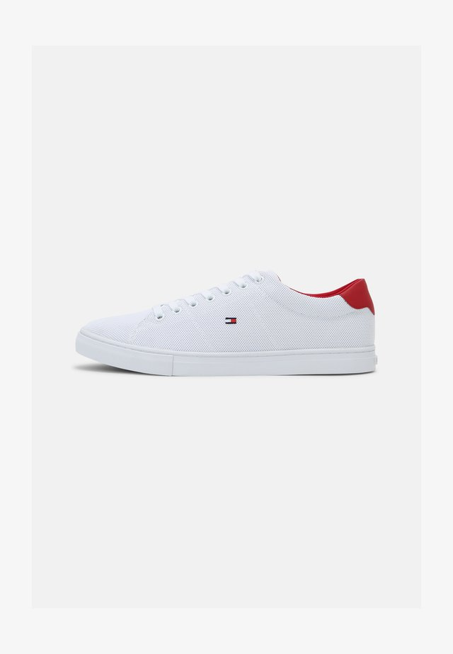 ESSENTIAL VULC - Sneakers - white/primary red
