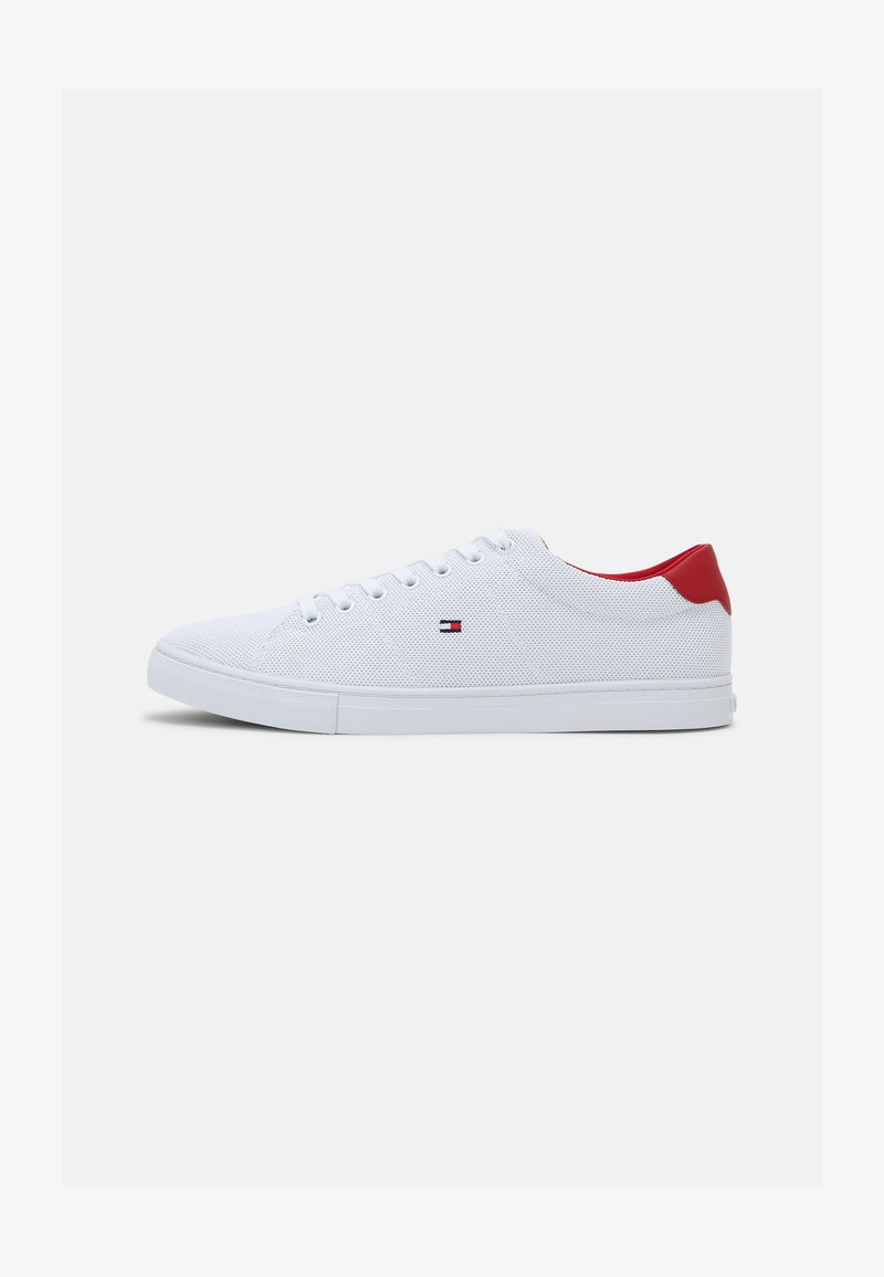 Tommy Hilfiger - ESSENTIAL VULC - Matalavartiset tennarit - white/primary red