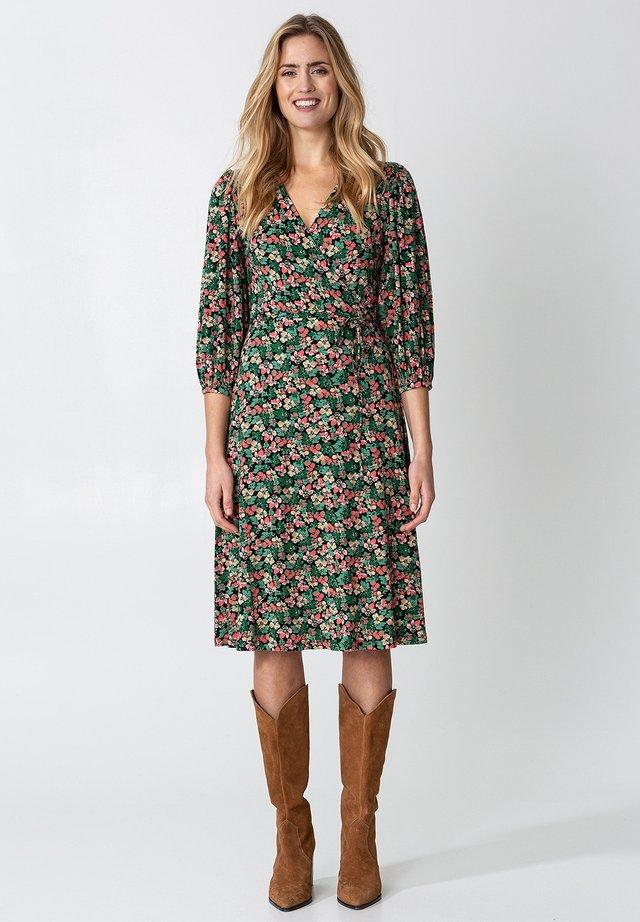 SENJA  - Vapaa-ajan mekko - green
