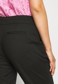 Forever New Curve - AUDREY HIGH WAIST PANT - Trousers - black - 5