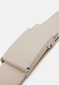 Levi's® - WORDMARK BELT UNISEX - Belt - beige - 2