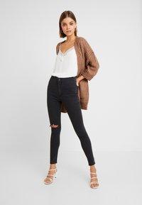 Cotton On - HIGH RISE - Skinny džíny - faded black - 1