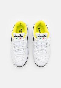 Diadora - S. CHALLENGE 3 JR UNISEX - Zapatillas de tenis para todas las superficies - white/black/sulphur spring - 3