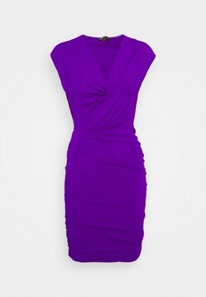 RENDER - Shift dress - violet