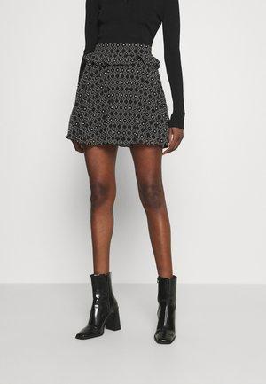 SELLE SKIRT - Áčková sukně - black