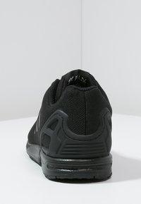 adidas Originals - ZX FLUX  - Tenisky - core black - 3